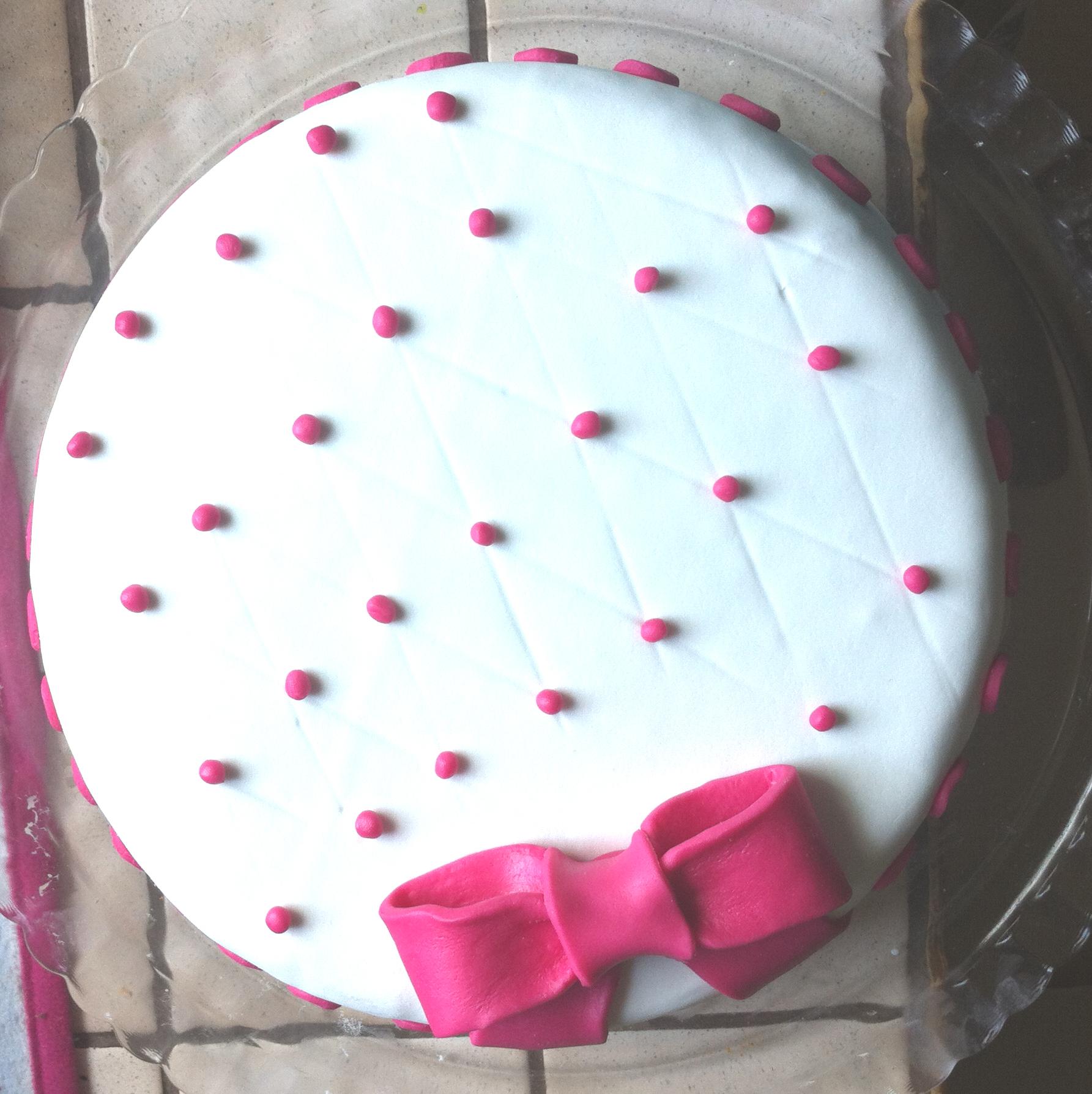 g 226 teau d anniversaire 1 fafacupcake